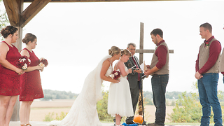Groom reads emotional vows to bride's sister with Down Syndrome - Video