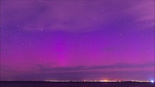 Time lapse captures jaw-dropping Southern Lights in Australia - Video