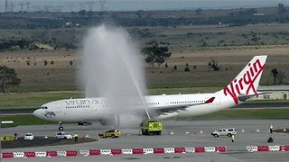 Virgin Australia's Maiden Flight to Hong Kong Welcomes Richard Branson and Water Cannon 'Salutes' - Video