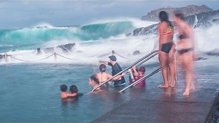 Australian Swimmers Swamped by Massive Waves - Video