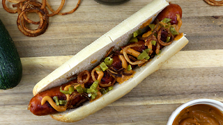 Bosna sausage: Austria's take on hot dogs - Video