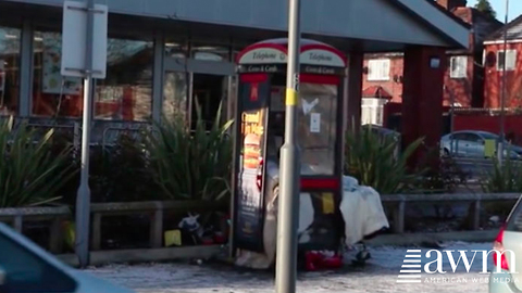 Man Who Moved Into Phone Booth After Losing Job Has Life Principles More People Need To Hear