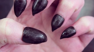 Learn how to create these claw nails with this DIY tutorial - Video