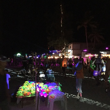 Insane Full Moon Party in Thailand!