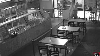 Police need help identifying a man who robbed Subway - Video