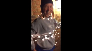 Parents receive heartwarming surprise for Christmas - Video