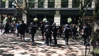 Seattle Police Break Up Fight Between Anti-Sharia Law Protesters, Counter Protesters - Video