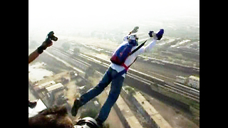 Karachi BASE Jump Goes Wrong - Video