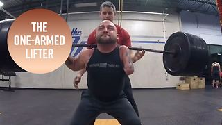 Who knew weightlifting only required one arm? - Video