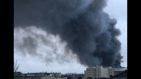 Shoppers Evacuated as Fire Consumes Superstore in St. Petersburg