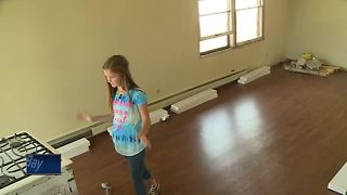Wisconsin 11-year-old saving money for college by flipping houses - Video