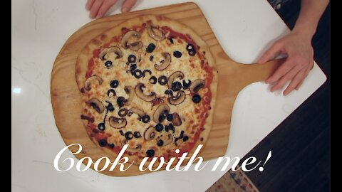 *COOK WITH ME* Friday Night Pizza