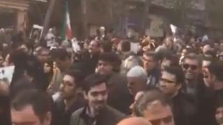 Thousands gather for Rafsanjani's funeral in Tehran - Video