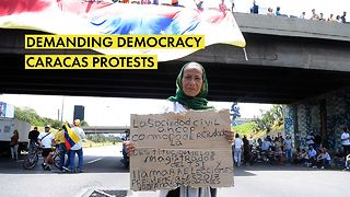 Protests in Caracas are intensifying. A sign of change? - Video
