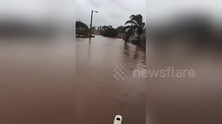 Durban streets submerged in water - Video