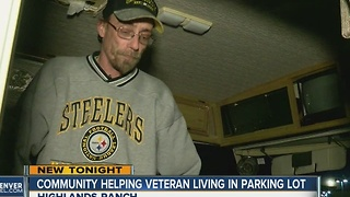 Community helping veteran living in Walmart parking lot - Video
