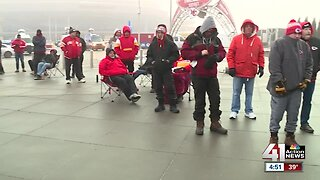 Chiefs fans line up early for AFC Championship tickets