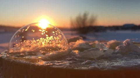 Watching Bubbles Freeze At -14 Fahrenheit Is Mesmerizing