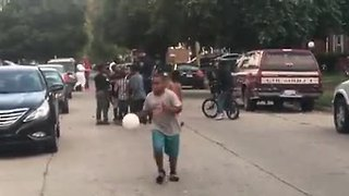 Officer Weathers plays with kids in Detroit - Video