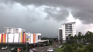 Timelapse Shows Storm Clouds Moving Into Townsville - Video