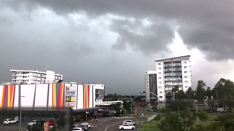 Timelapse Shows Storm Clouds Moving Into Townsville