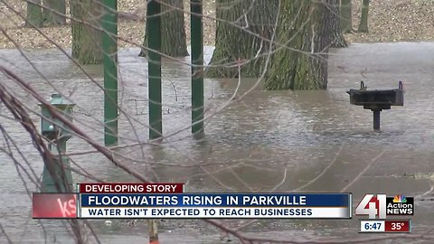 Missouri River in Parkville now expected to crest at 33.7 feet by Saturday
