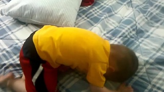 Epic fail: Toddler misjudges jump trick - Video