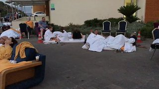 Tourists Camp Outside Hotels After Quake Rattles Bodrum - Video