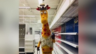 All Toys 'R' Us stores to close today - Video