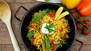 Healthy veggie-only paella recipe - Video