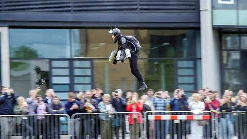 Student Breaks Record For Flying World's Fastest Jet Pack – Hitting Speeds Of 50mph