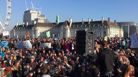 Bridges Blocked as Thousands Protest Climate Change in Central London