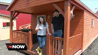 They partnered with an Amish family to create tiny houses - Video