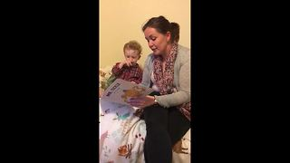 Cute toddler corrects mum's pronunciation - Video