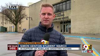 Simon Kenton students walk out of classes to remember victims of Florida school shooting