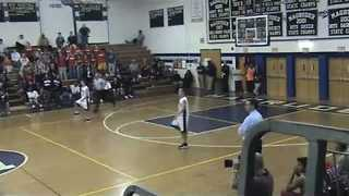 Twin Brothers Have Identical Reactions During a Basketball Game - Video