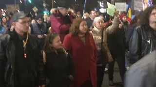 Flags Wave in Bucharest During Anti-Corruption Protest - Video