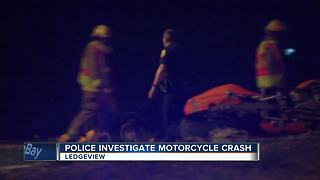 Deputies search for missing crash victim - Video
