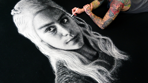 Artist creates mind-blowing salt portrait of 'Game of Thrones' character