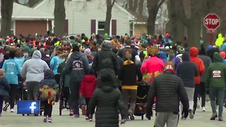 Thousands come out for annual Turkey Trot