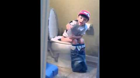Kid Has Adorable Reaction When Caught Singing Justin Bieber In The Bathroom