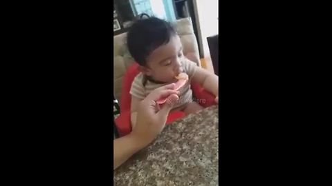 Adorable baby can barely stay awake while eating