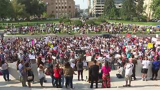 Hundreds show support for DACA recipients in Boise - Video