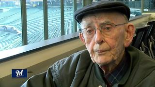 96-year-old usher celebrates 32 seasons with the Milwaukee Brewers - Video