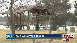 Cold air sweeps back into Omaha - Video