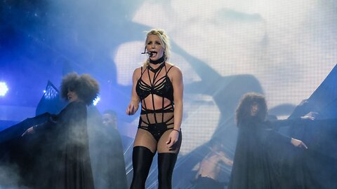 Britney Spears Video: 'I Broke My Foot'