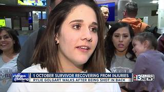 1 October survivor takes first steps in Las Vegas in emotional homecoming - Video