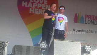 Tom Daley's husband Dustin Lance Black gives passionate speech at Pride - Video