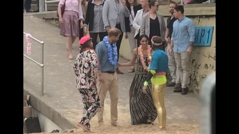 Harry and Meghan Remove Shoes at Bondi Beach