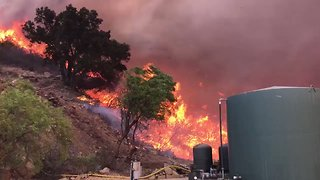 California Firefighters Battle Expanding Thomas Fire - Video